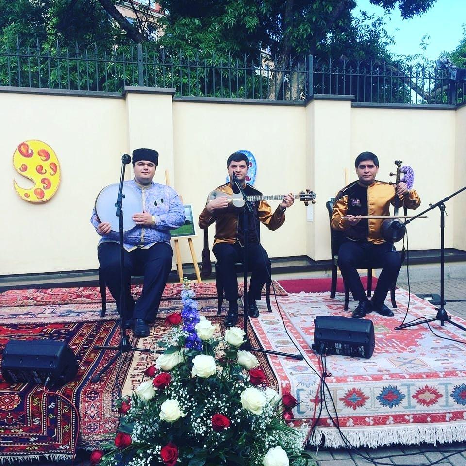 """Qarabağlı muğamçıların yeni qrupu  """"Yeni Azərbaycan"""""""